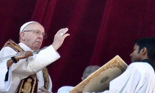 Papa pede paz em Jerusalém e reza para que se consiga uma solução