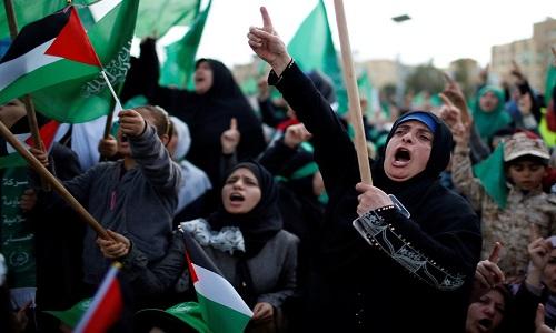 Israel bombardeia posições do Hamas na Faixa de Gaza