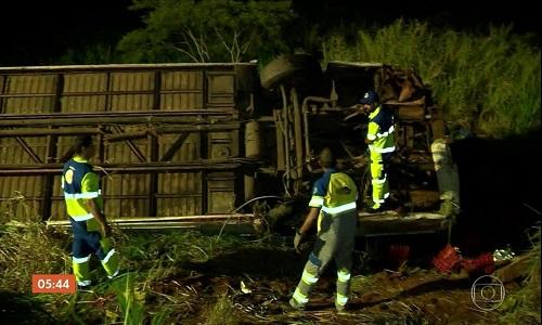 Morrem 5 em acidente com ônibus de sacoleiros