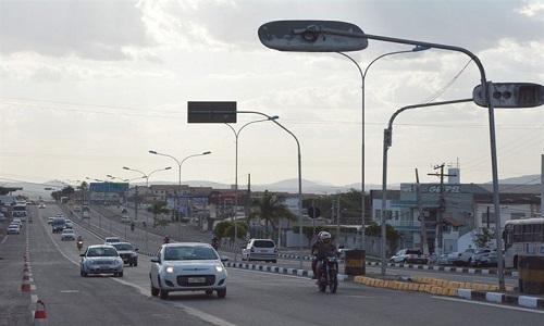 Avenida Francisco Pinto ganha nova configuração com Sinalização vertical