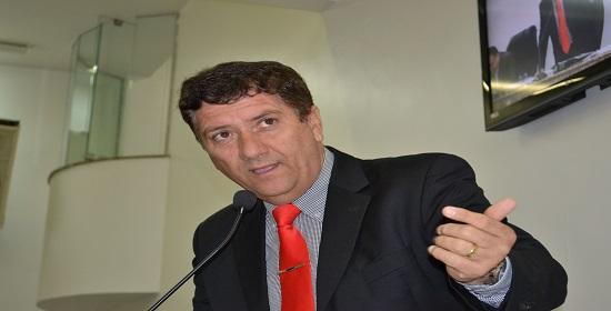 DAVID NETO EX-VEREADOR DE FEIRA DE SANTANA MOVE AÇÃO CONTRA A CÂMARA