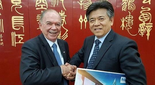 João Leão vai à China com 25 empresários