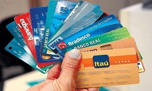 BC inicia estudos sobre cartão de débito