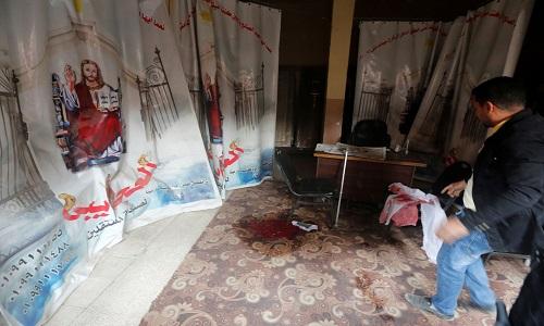 Atirador deixa mortos em igreja  cristã copta no Egito