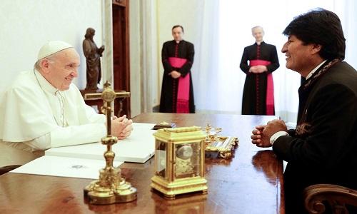 Papa e Evo Morales se reúnem por quase meia hora no Vaticano