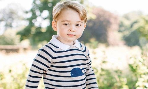 Padre escocês pede orações para que o príncipe George seja gay