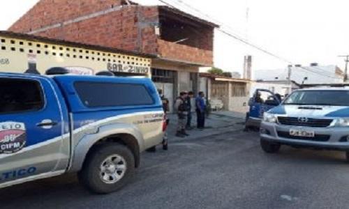 Homem é preso pelo assassinato de auxiliar de serviços a facadas dentro de bar em Feira