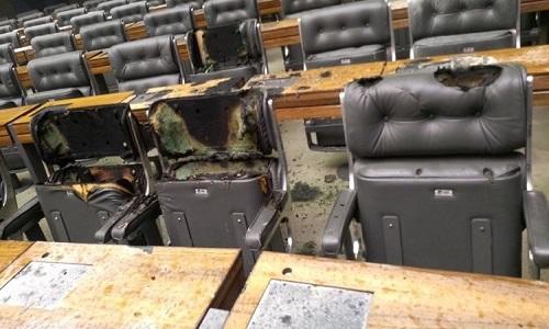 Plenário da Câmara dos Deputados tem princípio de incêndio causado por curto-circuito