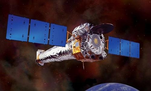 Astrônomos registram 'arroto' de buraco negro após 'banquete' de gás cósmico
