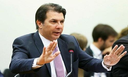 Arthur Maia compara manifestação do PT a ação de facções criminosas