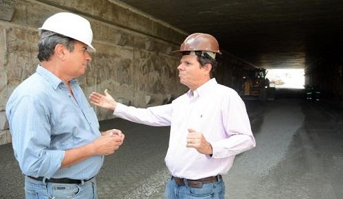Colbert Martins visitou obras do BRT na Avenida João Durval Carneiro