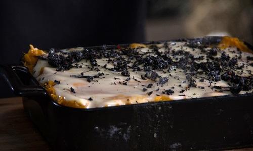 Escondidinho de camarão com batata-doce e inhame