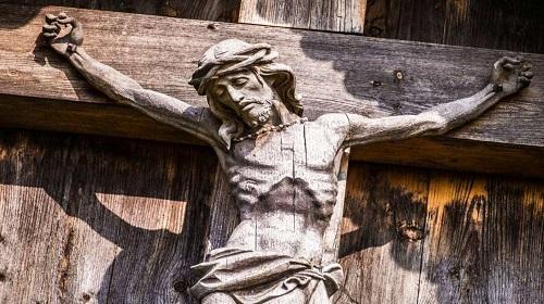 Usar internet pode tornar você menos religioso, diz estudo