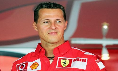 Schumacher ganha homenagens da Ferrari e Mercedes por aniversário