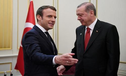 Macron pede ao Presidentes da Turquia que respeite Estado de Direito na luta contra o terrorismo