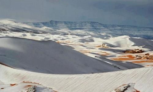 Fenômeno raro cobriu de neve o deserto do Saara