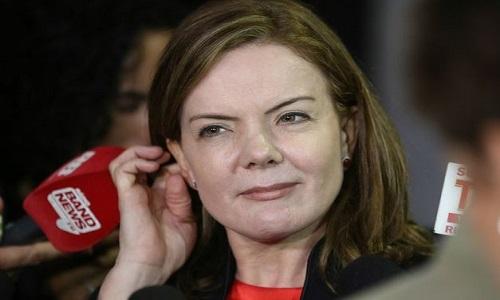 Presidente do TRF tenta tumultuar julgamento de Lula, diz GleisiHoffmann