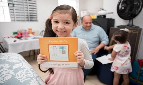 Histórias escritas por crianças refugiadas viram coleção de livros infantis