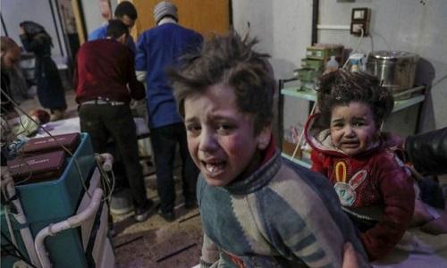 Dezenas de pessoas foram mortas em bombardeio no leste de Ghouta