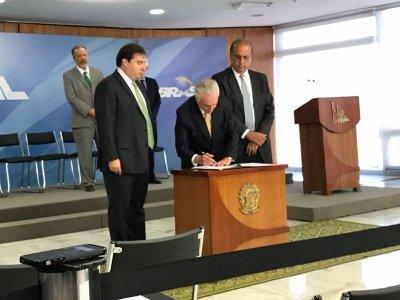 Temer tira prioridade da reforma da Previdência com intervenção no Rio