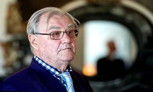 Morre o príncipe Henrik, da Dinamarca