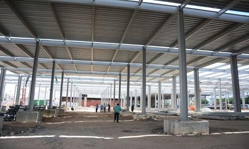 Previsão para inauguração do  Centro Comercial Popular em setembro