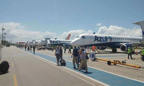 Passageiro morre dentro de avião após passar mal em aeroporto de Porto Seguro