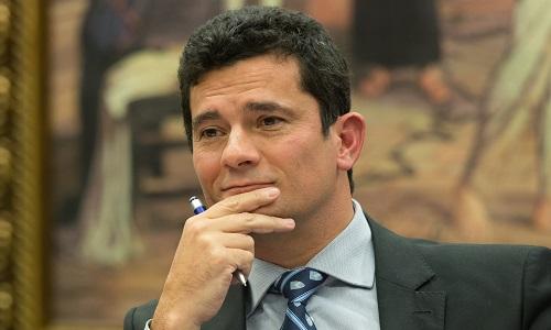 O juiz Sérgio Moro recebe auxílio-moradia mesmo tendo imóvel próprio em Curitiba