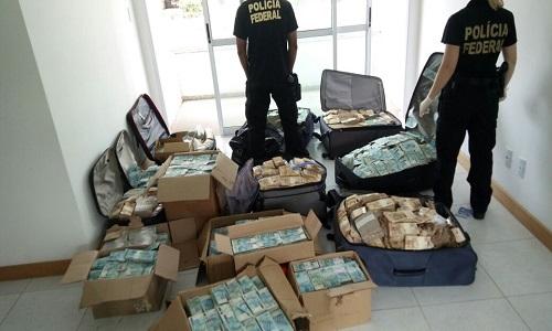 Polícia Federal apura elo entre bunker e desvios na Caixa Econômica