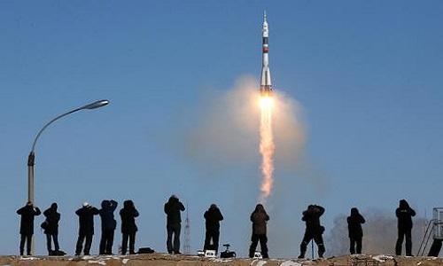 Japão lança menor foguete espacial do mundo