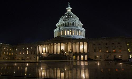 Câmara aprova orçamento nos EUA e acaba com 'apagão' do governo