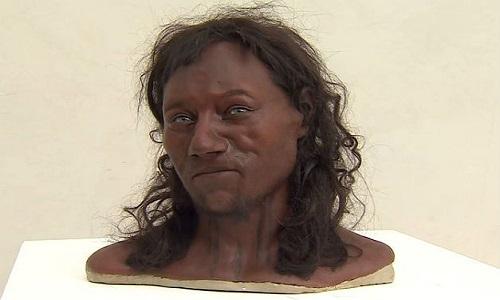 'Primeiro britânico' era negro e tinha olhos azuis, mostra estudo