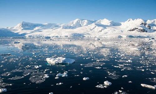 Geleira do ártico esconde ameaça para o meio ambiente