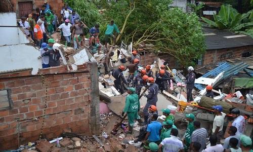 Desabamento mata quatro pessoas  em Salvador