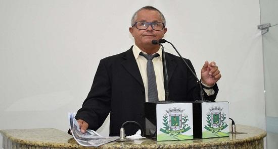 """As obras do prefeito são eleitoreiras, sem estudo e organização"""", disse o vereador Zé Filé"""