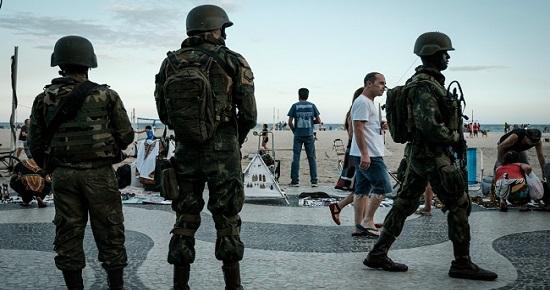 Capitão do Exército invade Correios e faz funcionários reféns no Rio