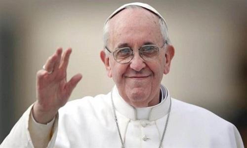 Vaticano divulga imagens do documentário de Wim Wender sobre o papa