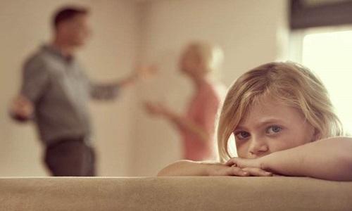 As brigas dos pais tem um grande impacto sobre a saúde mental das crianças