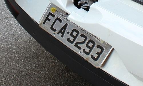Donos de veículos com placas de final 3 têm até 27 de abril para pagamento de IPVA com desconto