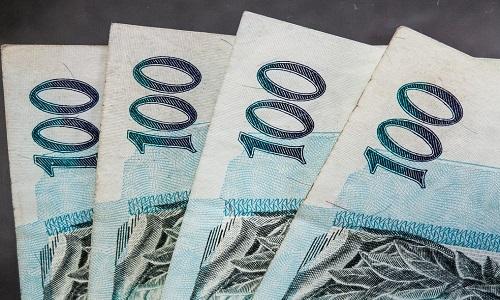 Depósitos na poupança superam saques em quase R$ 4 bi