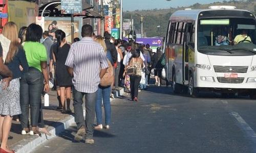 Trabalhadores têm renda média mensal de R$ 47 diz IBGE