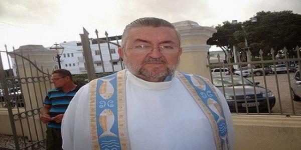 Padre Vianey não resistiu aos golpes de facão e morreu no hospital Unimed