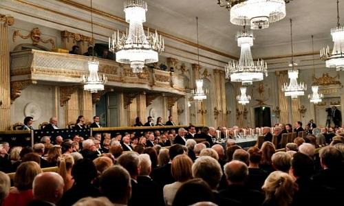 Nobel de Literatura demite 4 membros