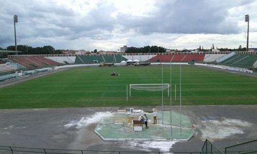 Estádio Joia da Princesa irretocável: Fluminense busca liderança