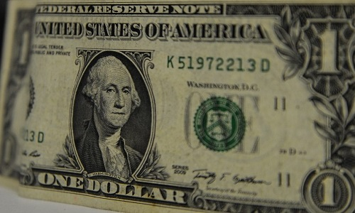 O Banco Central triplica oferta de dólares no mercado nesta 2ª feira