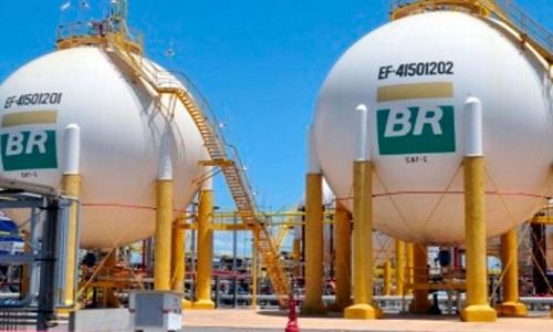 Petrobras aumenta os preços do diesel e da gasolina nas refinarias