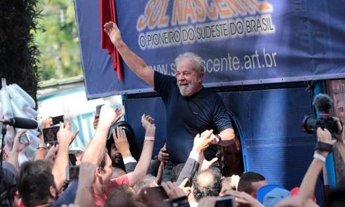 Decisão de soltar Dirceu aumenta chances de Lula no STF