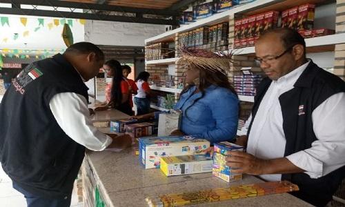 Procon fiscaliza lojas de fogos em feira de santana