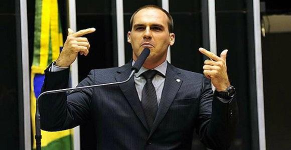 Eduardo Bolsonaro dá vexame na Câmara e é desmoralizado pelo próprio guru