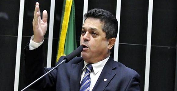 STF concede liminar para que deputado preso reassuma mandato na Câmara